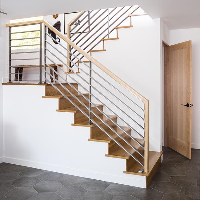 Lighting Basement Washroom Stairs: HAWTHORNE HILLS RESIDENCE